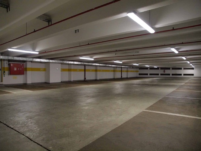 Parking garage saves 70 percent on energy with Osram Duris ...
