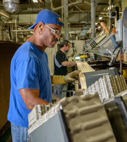 Ge Invests Us 30 M To Expand U S Incandescent Bulb