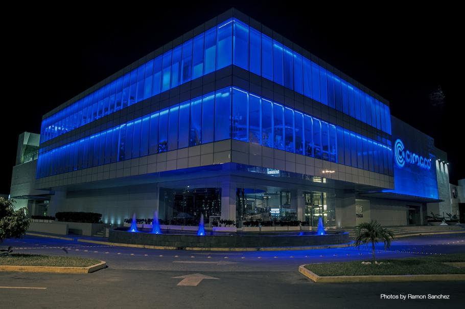 Mexican Department Store Lit With Dynamic Led Lighting