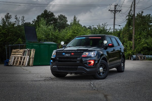 Ford to launch low profile led visor light bar in police cars ford to launch low profile led visor light bar in police cars mozeypictures Image collections