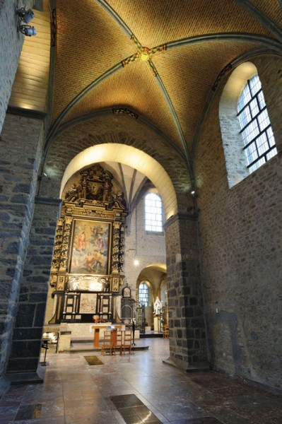 Saint-Gertrudis-Church4_LG