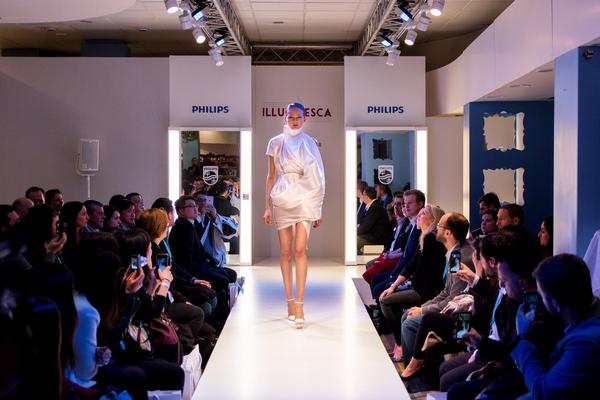 designer jef montes dazzles london fashion week with led lighting enhanced reflective fabric ledinside